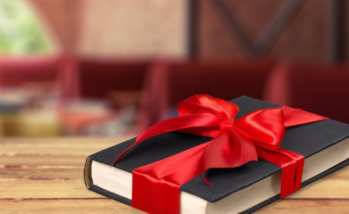 20160122153056-book-gift-bow-christmas-gift-giving-presents-literature-textbook-decoration
