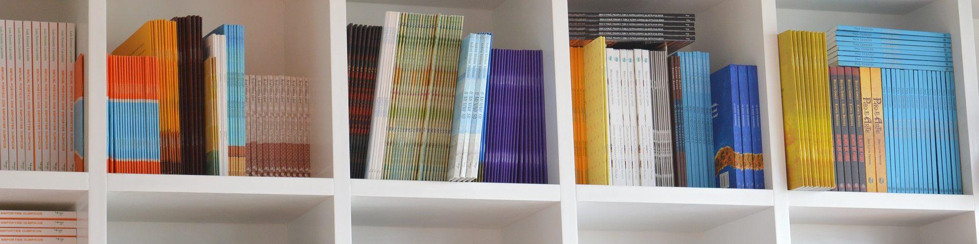 books-1643106_1920
